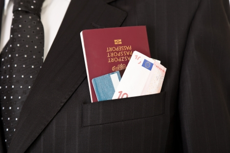 passeport: Suit with passport, money and credit card