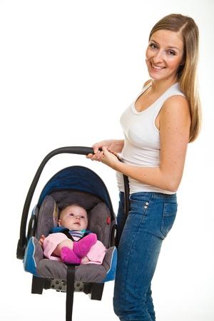 enfant banc: Chez le nourrisson assis dans le si�ge de voiture