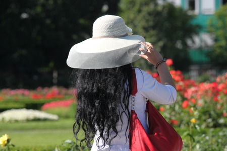 cel: Vienna, Austria Cel Telefono Snap attraverso il coperchio cappello Archivio Fotografico