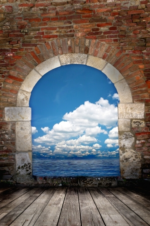 Door to the ocean with blue sky - vacations and tourism concept Stock Photo