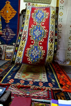 carpets and rugs seller photo