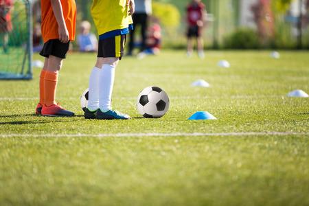 Jungen Fußball Fußball Fähigkeiten Ausbildung Lizenzfreie Bilder