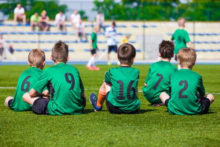 Fußballmannschaft. Fußballspieler. Fußballspiel für Kinder. Ausbildung und Fußball Fußballturnier. Sportjugendmannschaften Wettbewerb. Standard-Bild