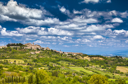 Montepulciano landscape view, Ancient small town in Tuscany, Italy 版權商用圖片