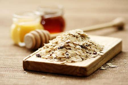 oatmeal: harina de avena y miel - tratamiento de belleza  Foto de archivo