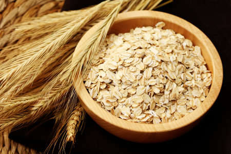 flakes: bowl of oats - healthy eating - food and drink Stock Photo