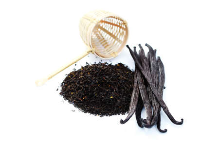 pile of vanilla tea with fresh vanilla beans - tea time Stock Photo - 8032487
