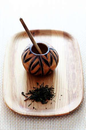 yerba mate: G�ira tradicional y yerba mate - la hora del t� Foto de archivo