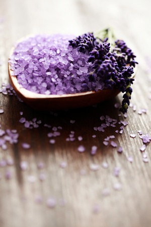 bowl of lavender bath salt - beauty treatment Stock Photo - 9292763