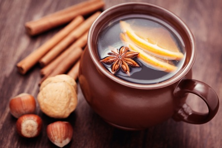 cup of mulled wine with spices - food and deink Standard-Bild