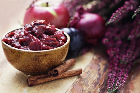 homemade plum and apple chutney with cinnamon and porto - food and drink Standard-Bild