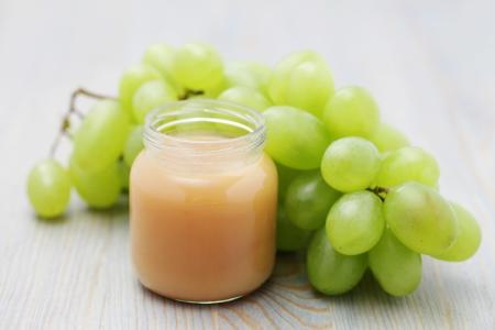 Glas Babynahrung - Traube - Baby-Sachen