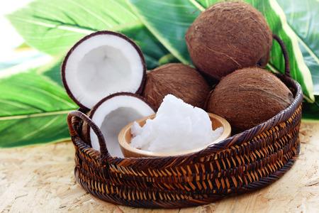 음식과 음료 - 신선한 코코넛과 코코넛 오일 스톡 콘텐츠
