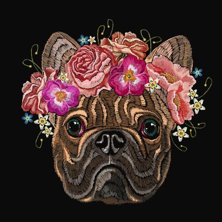Borduurwerk Franse buldog en mooi boeket van bloemen. Klassieke borduurwerk hoofdbuldog, roos, pioenen, modieus ontwerp voor kleding, t-shirtontwerp