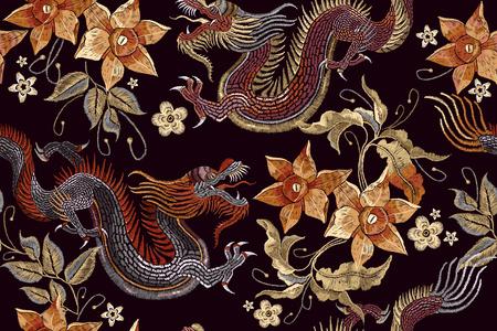 Dragones de bordado y flores sin patrón. Bordado clásico Dragón asiático y flores hermosas de la vendimia patrón transparente. Dragones de China vector