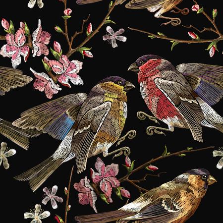 Aves de bordado y patrón transparente cereza floreciente. Clásico camachuelo bordado y titmouse en la rama que florece sakura.
