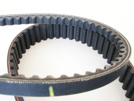 caoutchouc: fan belt