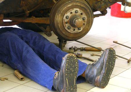 exploitation: garage-man