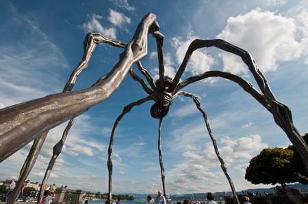 louise: Maman is a sculpture by the French artist Louise Bourgeois. In the picture was exposed in Zurich. Photo taken on 12.06.2011