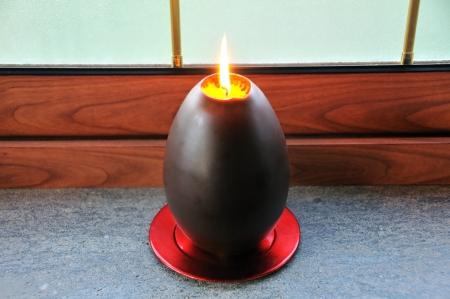 Candela a forma di uovo di Pasqua Standard-Bild