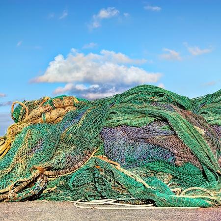 medias de red: redes de pesca en el puerto irland�s