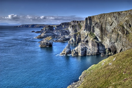 뒷 돛대의 머리, 아일랜드 - 뒷 돛대의 머리, 카운티 코크, 아일랜드에서 대서양 해안 절벽 스톡 콘텐츠