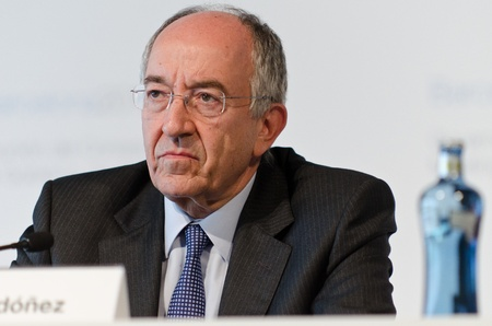 ecb: Miguel Fern�ndez Ord��ez, Governor of the Banco de Espa�a and a member of the European Central Bank governing council, at the press conference following the Governing Council meeting of the ECB in Barcelona.