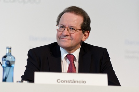 ecb: European Central Bank Vice-President V�tor Const�ncio chairs the press conference following the Governing Council meeting of the ECB in Barcelona.
