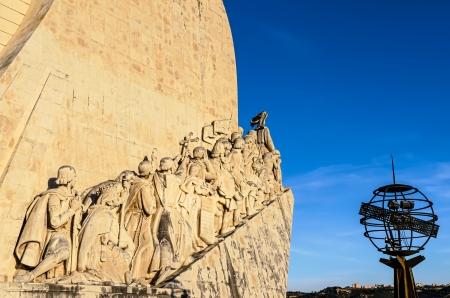 descubridor: Padrao dos Descobrimentos Monumento a los Descubrimientos, Lisboa, Portugal, al atardecer