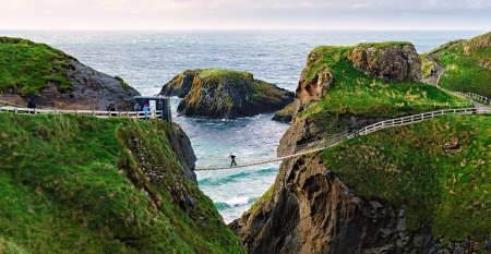 northern ireland: Carrick-a-Rede Rope Bridge rope bridge in County Antrim, Northern Ireland Stock Photo