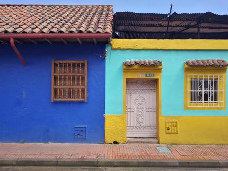 Colorful houses in la Candelaria, Bogota, Colombia Imagens