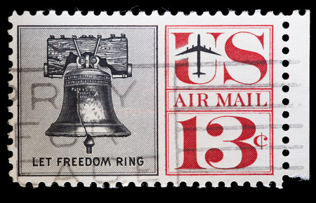 liberty bell: UNITED STATES OF AMERICA - CIRCA 1967: A used postage stamp printed in United States shows the Liberty Bell, an iconic symbol of American independence, located in Philadelphia, Pennsylvania, circa 1967 Editorial