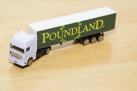 tou: Elevated view of tou poundland lorry