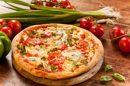 veggies: Vegetarian Pizza