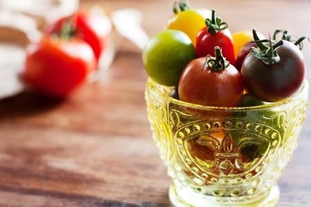 Bunte Tomaten von verschiedenen Sorten