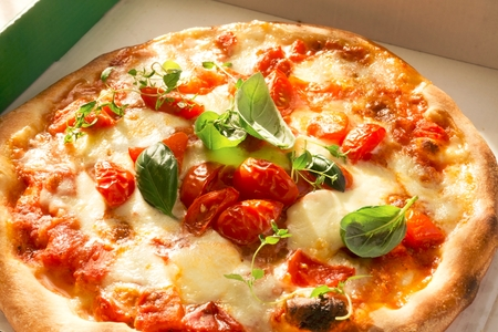 Fresh Homemade Pizza Margherita Stock Photo - 89754310