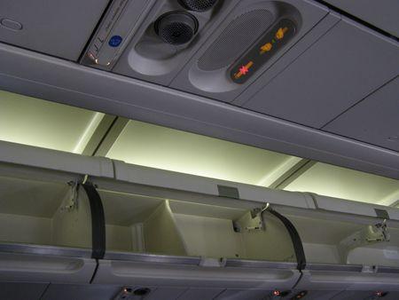 Abteile: Gep�ck-Abteilungen auf Airbus