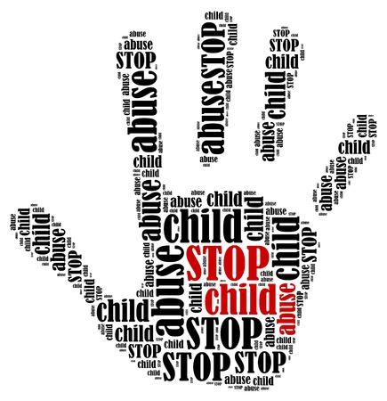 maltrato infantil: Parar el maltrato infantil Palabra ilustraci�n nube en forma de mano que muestra la impresi�n de protesta Foto de archivo