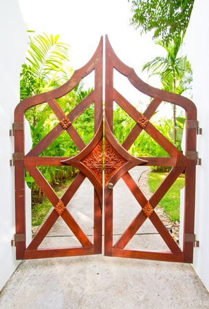 thai door photo