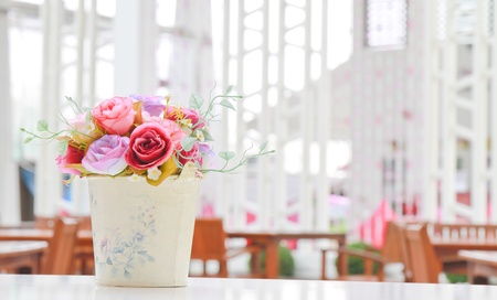 florero: flor en el florero