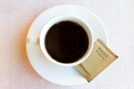 cafe colombiano: café negro con azúcar morena