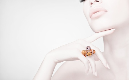 silver jewelry: beautiful woman wearing jewelry, very clean image with copy space Stock Photo