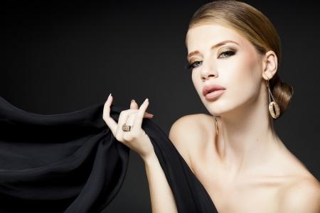 gold jewelry on beautiful woman model posing glamorous Stock Photo - 21383240
