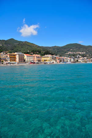 the beach with the bathing establishments in alassio liguria ital 免版税图像