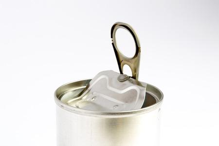 aluminum: Recycling aluminum