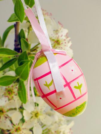 arbol de pascua: Huevos en el árbol de Pascua