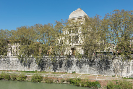 jewish houses: Great Synagogue of Rome, it stands on the bank of the Tiber