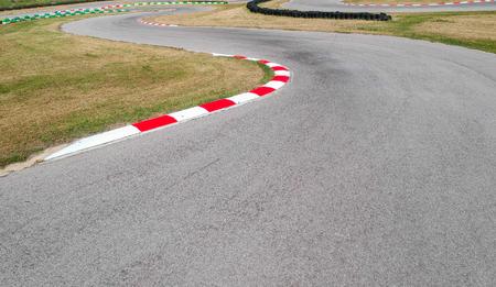 Curvas en la pista de carreras de karts Foto de archivo
