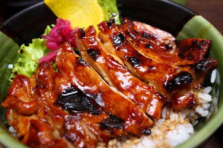 Close up of teriyaki rice in a bowl. Banque d'images