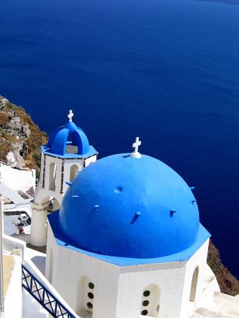 Santorini, Griekenland blauwe koepels